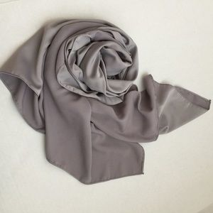 Satin Long scarf Grey