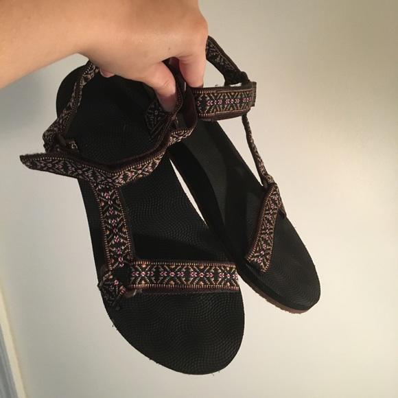 fb9b92c84 Teva Look-Alike Sandals. M 598de1762599fe295b08379a