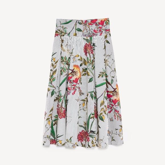 6f87eaa548 Zara Skirts | Floral Midi Skirt With Pockets Sz Xs | Poshmark