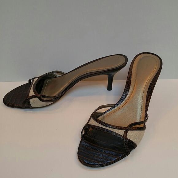 Ann Taylor Shoes - Classic faux alligator kitten heels!