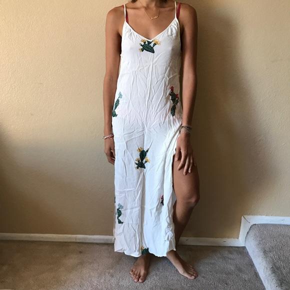 cb13176716 Wildfox cactus maxi dress in white. M_598df82636d594b64c0895b8