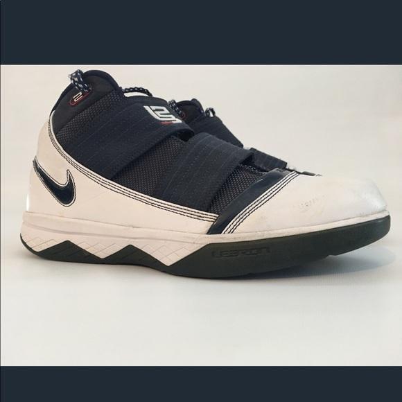 good 899b6 2b4e4 Lebron James Nike Zoom Soldier 3 III Navy size 11