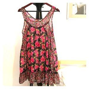 Dresses & Skirts - Sheer floral shift dress