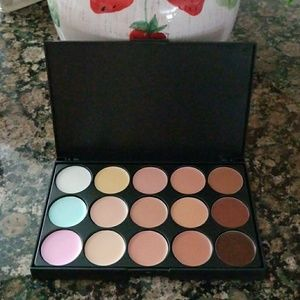 Other - Contour Palette with 15 cream colors