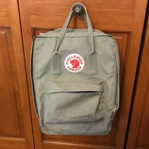 Fjallraven Kanken Backpack in Fog