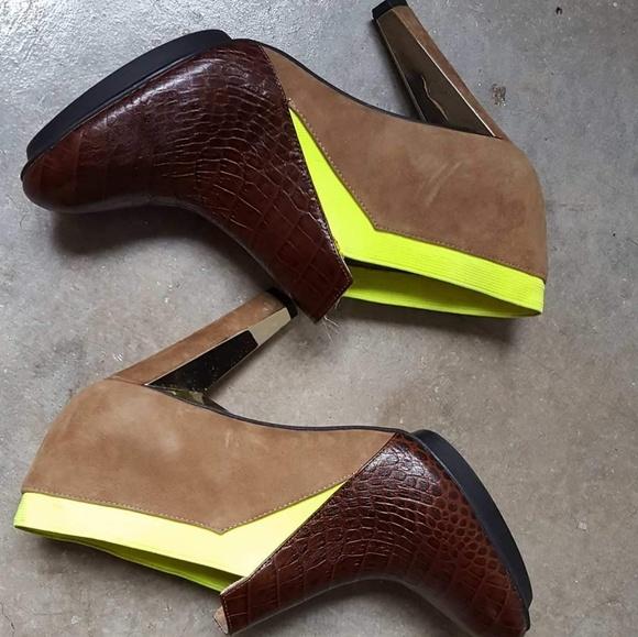United Nude Shoes - UN lola croc chocolate w neon gold heel bootie 9.5
