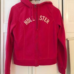 Hollister sweatshirt w/ fur warm and comfy