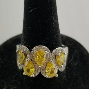Jewelry - Yellow and white topaz ring
