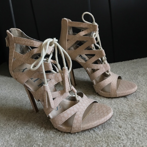 55c0079cc150 Fake cream snake skin strappy sandals. M 598e2e564225be7d780991b7