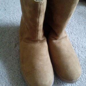 a6046ccded64 Joe Boxer Shoes - NWT Boxer Women s Edna Casual Fashion Boot Camel