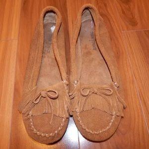 Minnetonka moccasins size 10