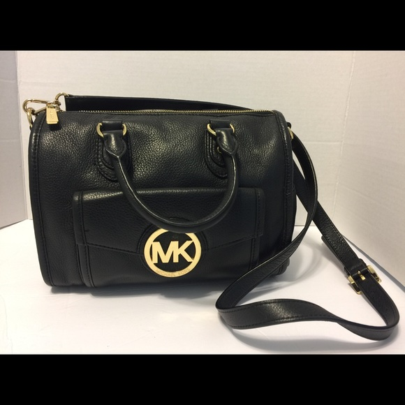 a5ee8733f1703a Michael Kors Margo Satchel Pebble Leather Black.  M_598e4d913c6f9fd9010a3ce3. Other Bags ...