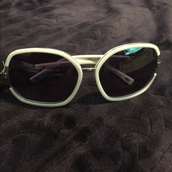 d7f70da499c7 AUTHENTIC VERSACE 19•69 WHITE FRAME SUNGLASSES. M 598e66055c12f8bdad0a6b70