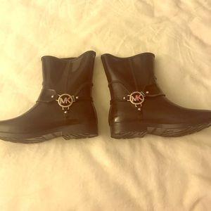 Shoes - rainboots