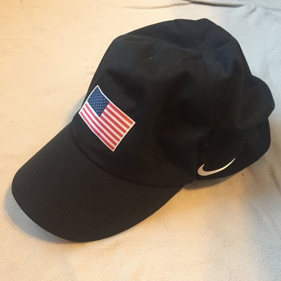 a7a52ee7c04 Nike Ultralight USA Themed Black Cap