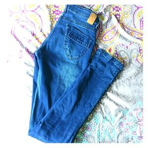 Nuon blue light wash jeans