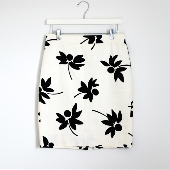 J. Crew Skirts - J. Crew White Black Floral The Pencil Skirt Size 0