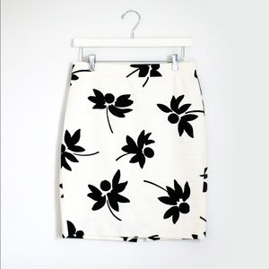 J. Crew White Black Floral The Pencil Skirt Size 0
