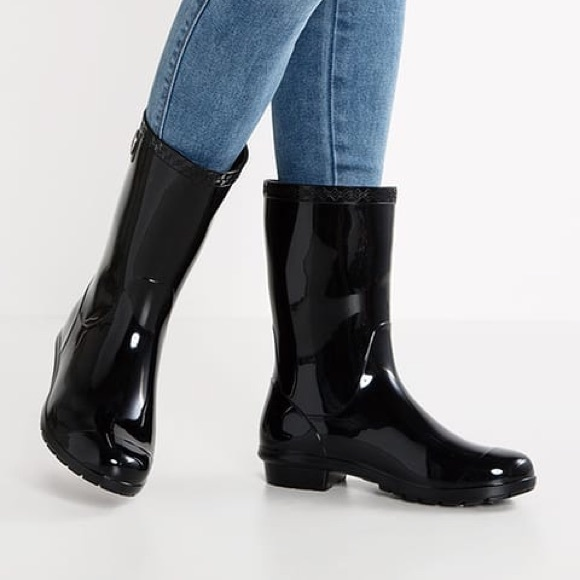 f0146fca03c ❤️1 DAY SALE UGG sienna fur insole boots black nwt NWT