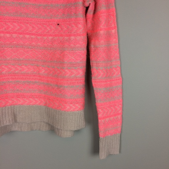 American Eagle Outfitters Sweaters - American Eagle tan and pink sweater