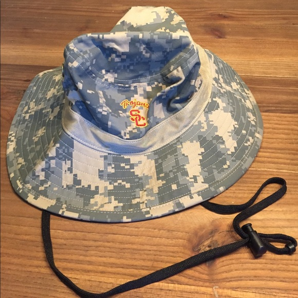 a630eaed USC Nike Camo bucket hat. M_598f245113302af9490c834f. Other Accessories ...