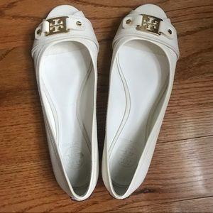 Tory Burch Ivory Peep Toe Flats Size 8
