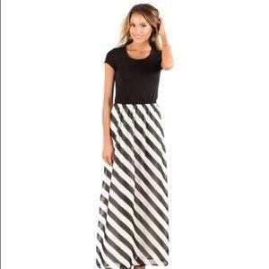 Dresses & Skirts - Black and white stripe maxi dress