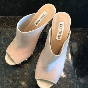 05ea512cd95 Steve Madden Shoes - Steve Madden Daynty leather platform clog