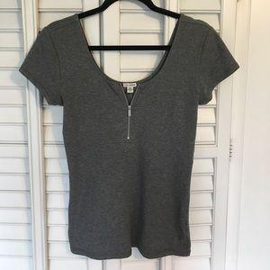 NWT Gray Cotton Top 💕