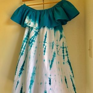 Dresses & Skirts - Tie dye open shoulder mini dress.