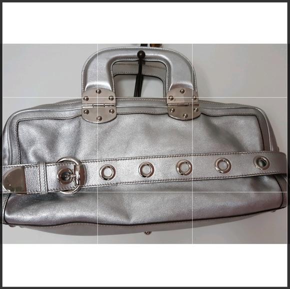 f3bb2172587 Gucci Handbags - Gucci Silver Romy Handbag