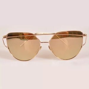 Accessories - Women Gold Mirrored Vintage Oversized Sunglasses