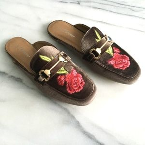 Shoes - LAST ONE SZ 9 Floral Embroidered Velvet Mules