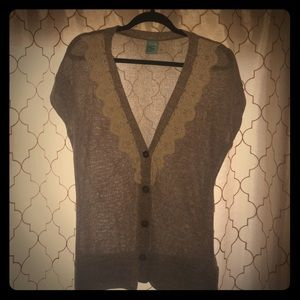 Light weight brown heather vest