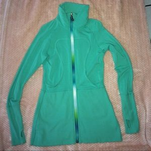 💚 lululemon zip up jacket
