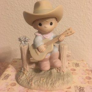 "Precious Moments Figurine ""Hallelujah Country"""