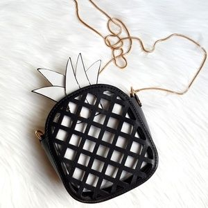 New Pineapple Black & White Purse!