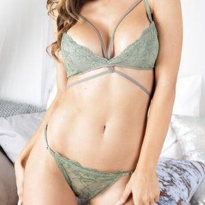 Lace Bralette & panty set