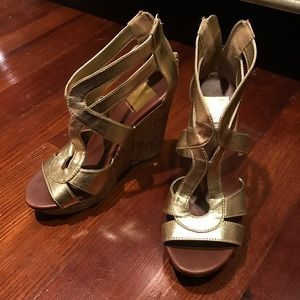Dolce vita gold wedges