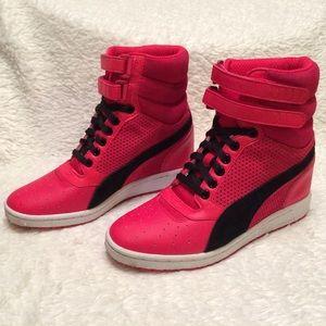 dfe0ec405c8 Puma Shoes - PUMA high top sky contact hidden wedge heels 8.5