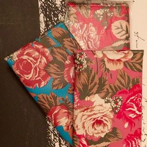 Handbags - A three pack of floral wallets