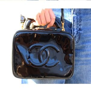 CHANEL Bags - 100% authentic vintage Chanel vanity bag