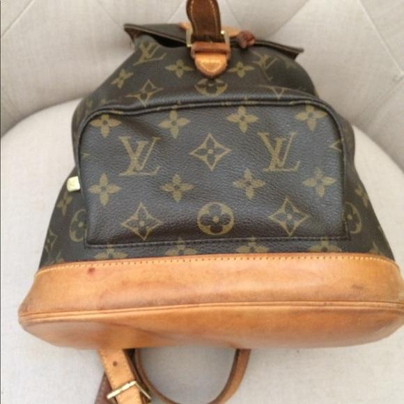 e03f4572b154 Louis Vuitton Handbags - Louis Vuitton medium size backpack