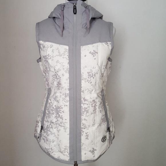 231bad7d5a1a9 Gorgeous Women s Magic Fit Vest New