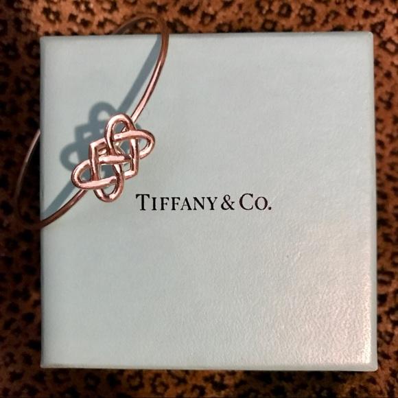 c62702d63 Tiffany Paloma Picasso Celtic Love Knot Bracelet. M_5990b60aa88e7dfba31224a6