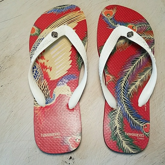 569928f12dfaad Havaianas Other - Havaianas red white peacock feathers 6