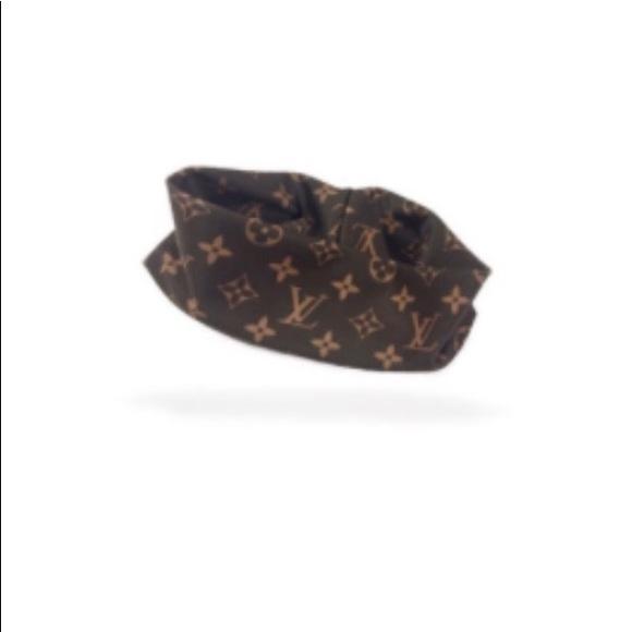 Louis Vuitton Accessories - Louis Vuitton headband 33569408aa9
