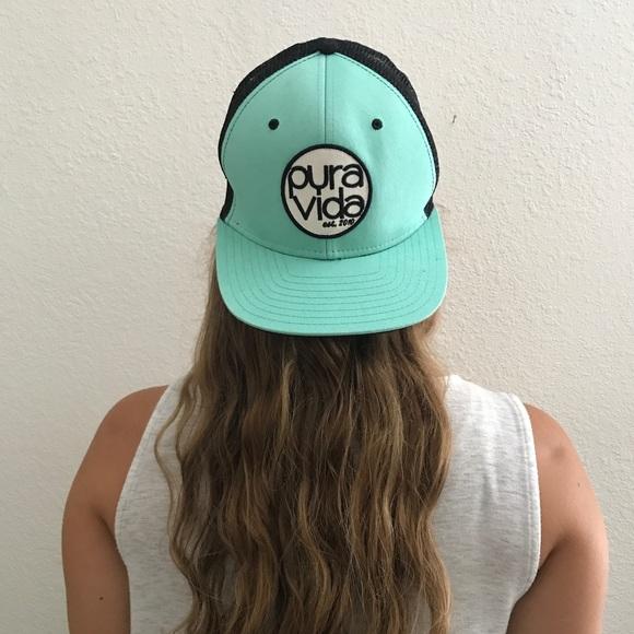 Pura Vida trucker hat. M 5990b94c7fab3a921e12201d a9ca0313c69