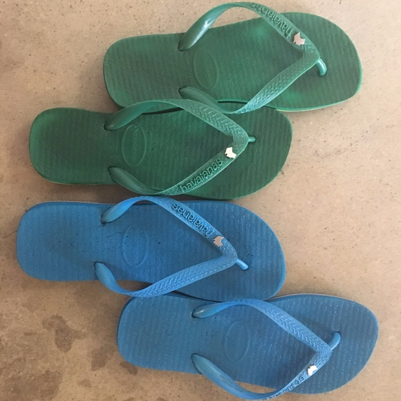 7d21e21bc528b Havaianas Shoes - 2 Pairs!! Special Edition Havaianas from Australia