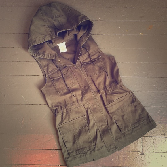 16da88d0dfdb9 Matty M utility vest hooded snap sleeveless cargo.  M 5990c5ea620ff718f6125782